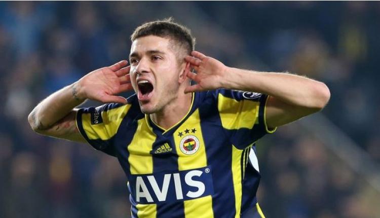 Fenerbahçeli RomanNeustadter, Başakşehir ile el sıkıştı