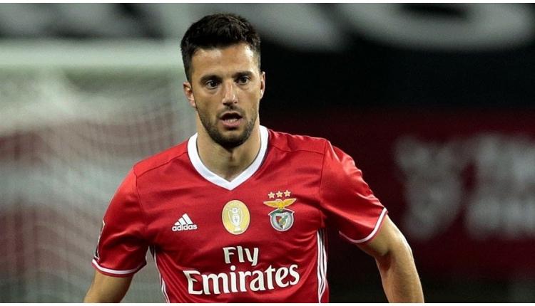 Galatasaray'ın gözdesi Samaris, Benfica'yı reddetti