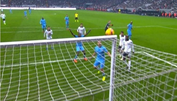 Sosa'ya yanlışlıkla kırmızı kart çıktı! Trabzonspor'un direk kabusu