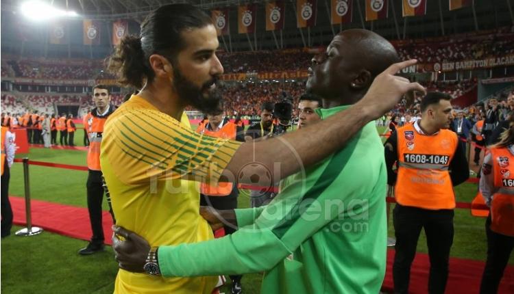 Akhisarspor - Galatasaray maçında seremoni krizi