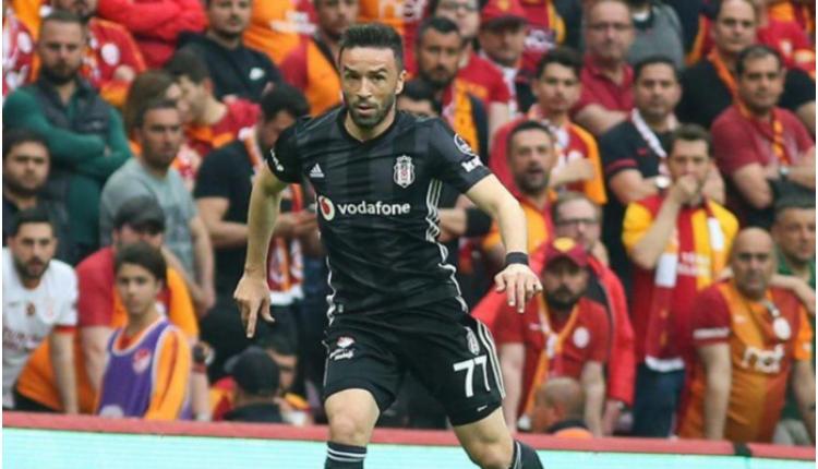 Beşiktaş'ta Gökhan Gönül sakatlandı