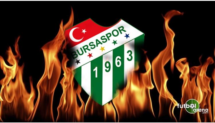 Bursaspor taraftarlarından siyah örtülü protesto