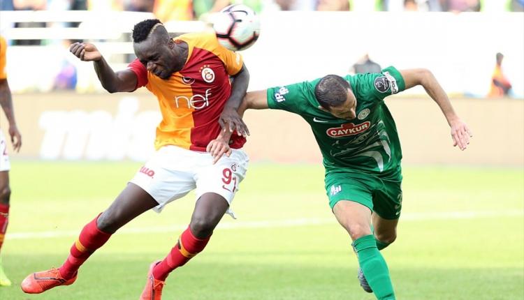 Galatasaray'da Mbaye Diagne Süper Lig tarihine geçti