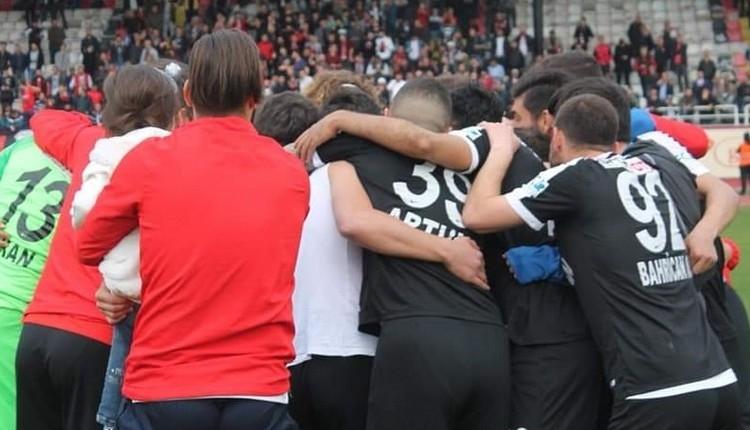 Kastamonuspor playoff maçlarına çıkacak mı? Futbolculardan protesto