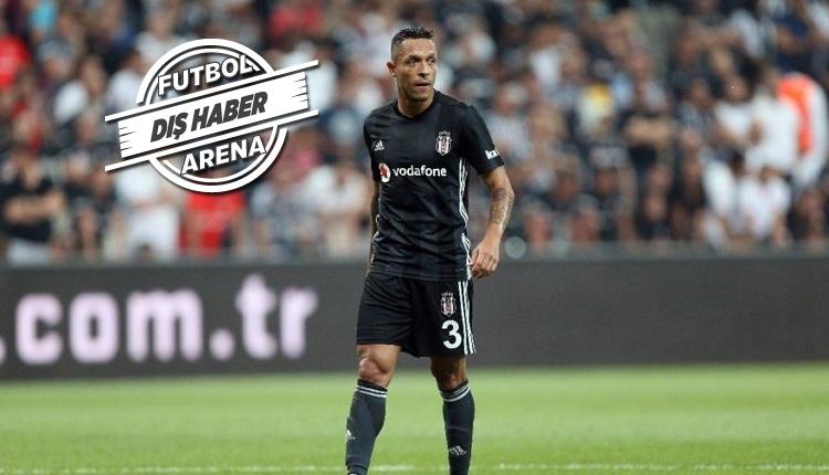 Adriano Brezilya'da transfer görüşmesi yaptı