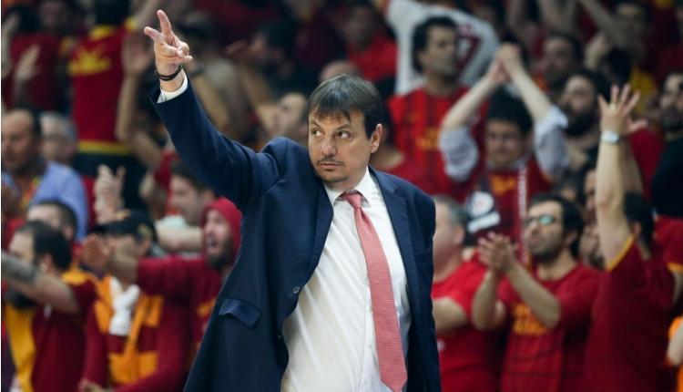 Ergin Ataman 18. kupasını kaldırdı