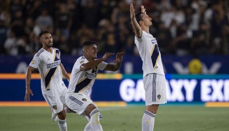 Zlatan Ibrahimovic, Carlos Vela kapışması! Ibrahimovic'in golleri İZLE