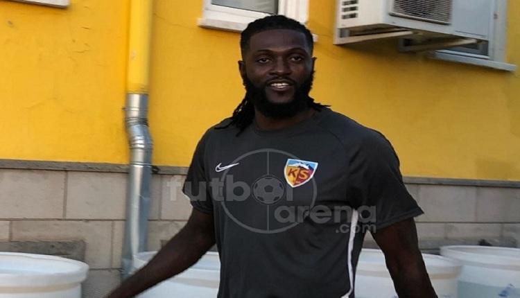 Adebayor 1 yıllığına Kayserispor'da! İlk antrenman