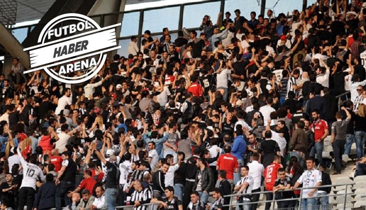Beşiktaş taraftarlarından protesto: