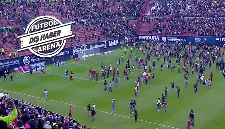 Meksika'da olaylı maç! Taraftarlar sahaya girdi
