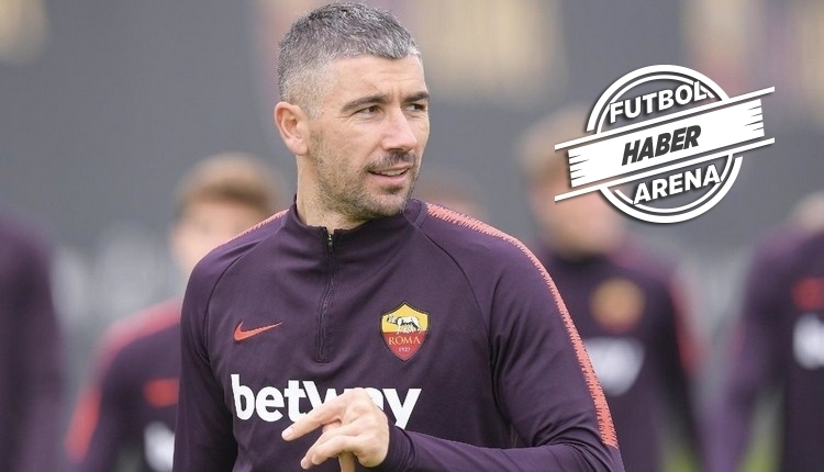 Fenerbahçe, Kolarov'u transfer edecek mi?