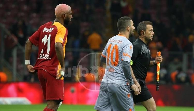 Galatasaray taraftarından Arda Turan'a protesto