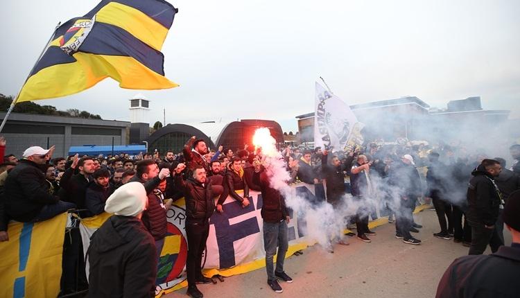 Fenerbahçe taraftarları Riva'da toplandı: 'Nihat Özdemir istifa!'