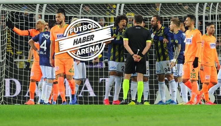 Fenerbahçe'den penaltı isyanı! Cisse'nin tekrar edilen penaltısı
