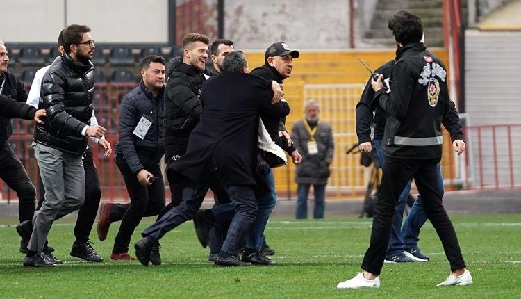 Fatih Karagümrük - Altay maçında olay! Başkan hakemin üzerine yürüdü