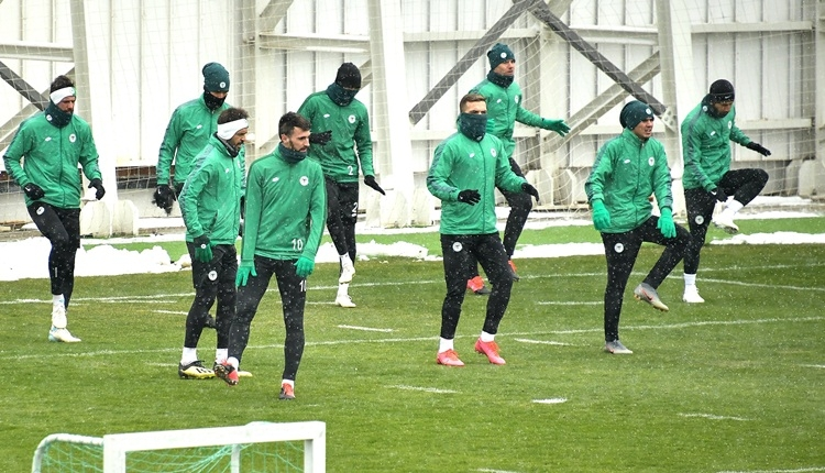 Fenerbahçe ile karşılaşan Konyaspor'da koronavirüs paniği