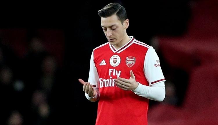 Mesut Özil'den Kızılay'a bağış! Alkışlanan hareket