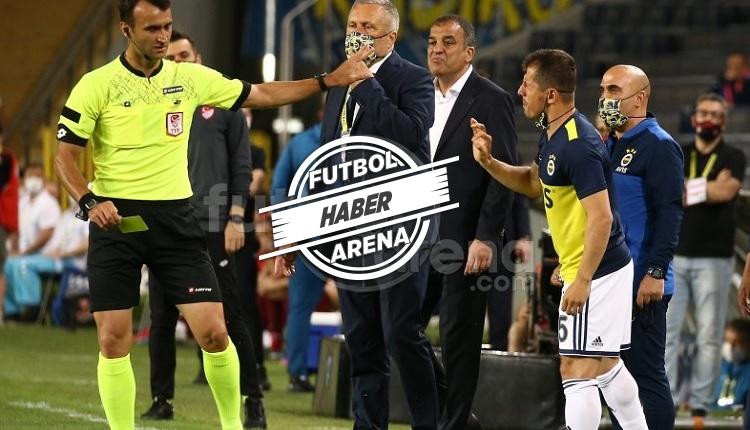 Emre Belözoğlu çok sinirlendi ve sandalyeye tekme attı!