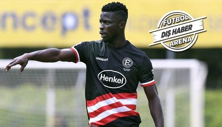 Beşiktaş Nana Ampomah transferinde ısrarcı