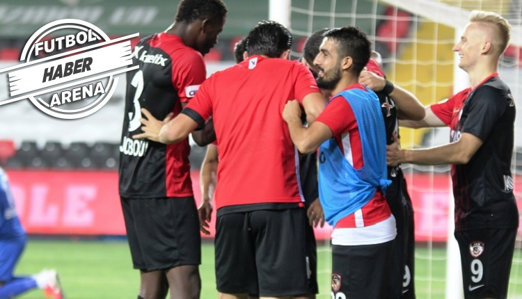 Gaziantep - Konyaspor maçında olay! Maç bitti zannedildi