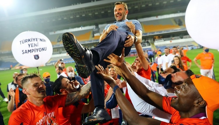 Süper Lig'de şampiyonluk yaşayan 12. yerli teknik adam Okan Buruk