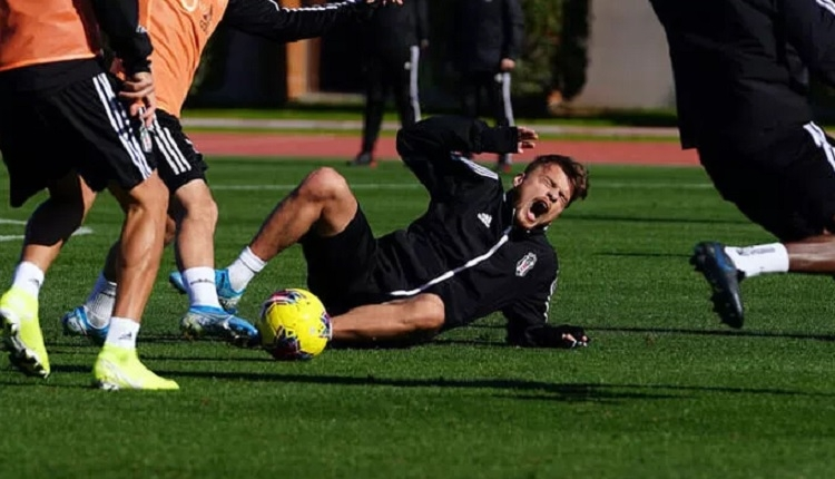 Adem Ljajic sakatlandı! Beşiktaş'tan açıklama