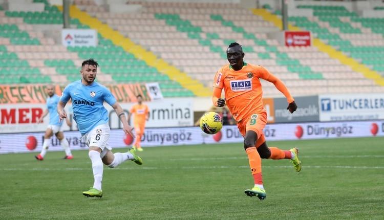 Beşiktaş ve Fenerbahçe'nin transferde Cisse kapışması