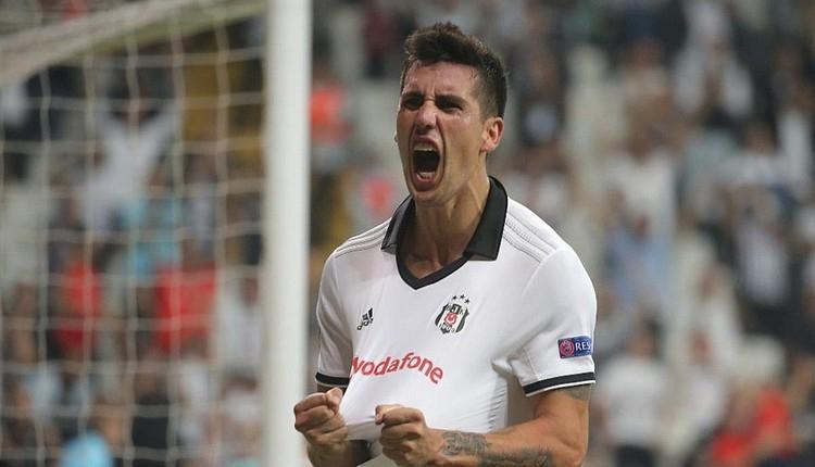 Beşiktaş'ta Enzo Roco ile yollar ayrıldı