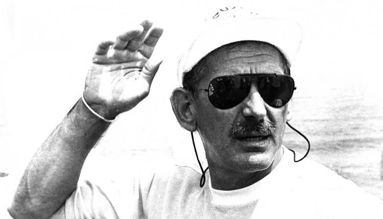 Türk futbolunun efsane ismi Özkan Sümer hayatını kaybetti