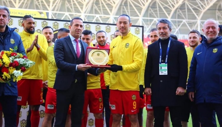 Umut Bulut, Süper Lig tarihine geçti