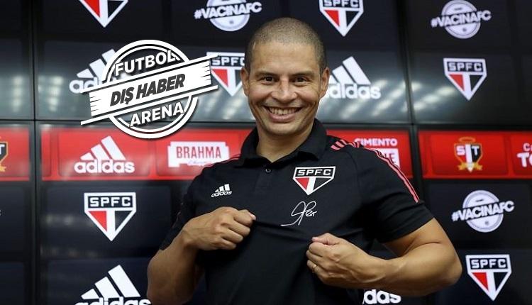Alex de Souza Sao Paulo'da 3 puanla başladı