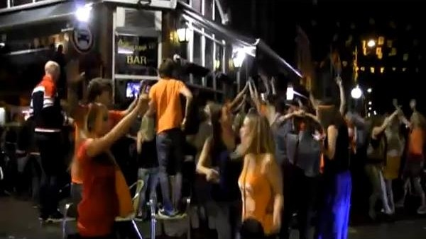 Portakallar Amsterdam'ı inletti