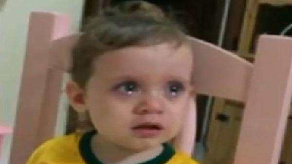 Neymar'ın sakatlığı bu miniği gözyaşlarına boğdu