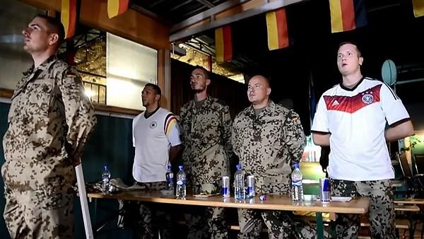 Afganistan'da Dünya Kupası heyecanı! Alman askerler...