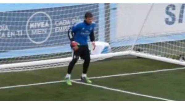 Casillas Ve Navasın Kıyasıya Rekabeti!...