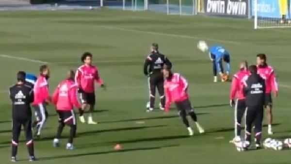 Ronaldo Marcelo'ya Uçan Tekme Attı!