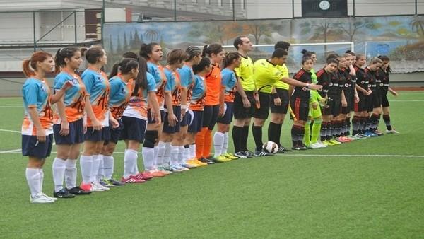 Beşiktaş Kadın Futbol Takımından Dostluk Örneği