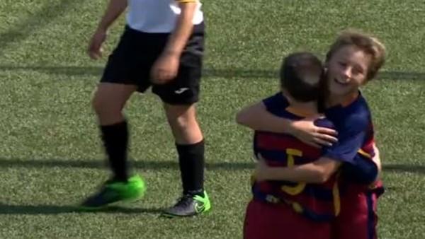 Genç Barcelonalı'dan enfes gol!