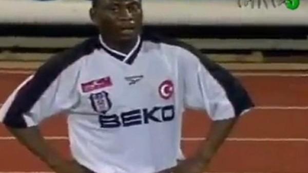Valencia - Beşiktaş maçında Erkan Zengin pozisyonu