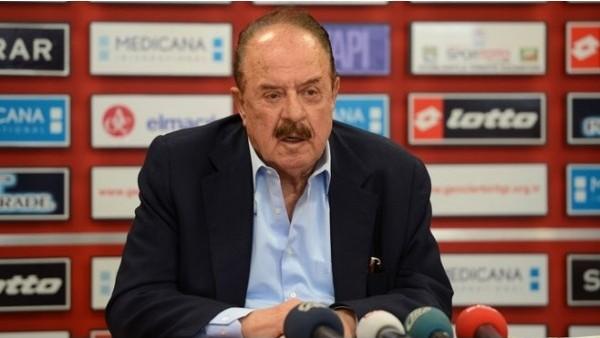 İlhan Cavcav'dan Fenerbahçe'ye eleştiri