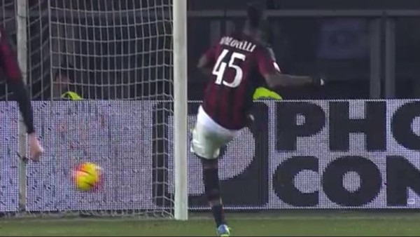 Balotelli çok soğuk kanlı!
