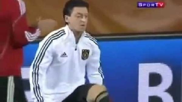 Mesut Özil'in sakız şovları
