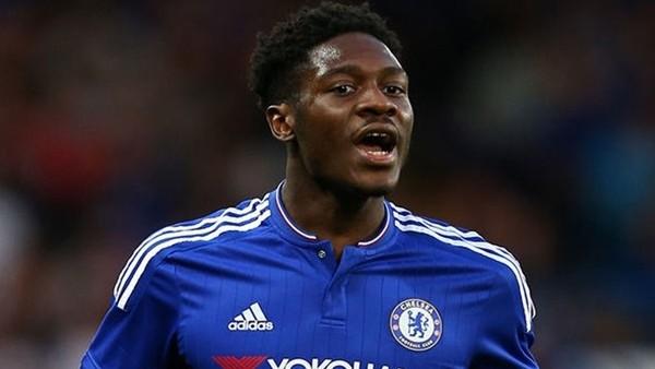 Genç Chelsea'li Oyuncu Orta Sahadan Yazdı