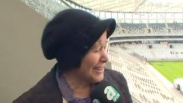 Vodafone Arena'nın açılışı öncesi anne duası