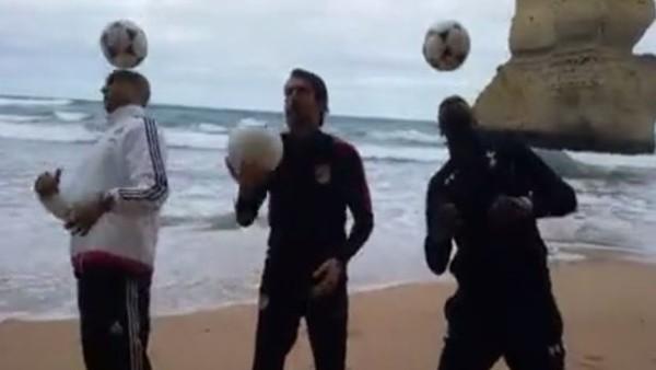 Juventuslu Oyuncularan Futbol Ziyafeti