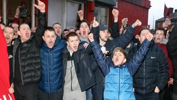 Dortmund Ve Liverpool Taraftarının Ortaklaşa Jürgen Klopp Tezahüratı