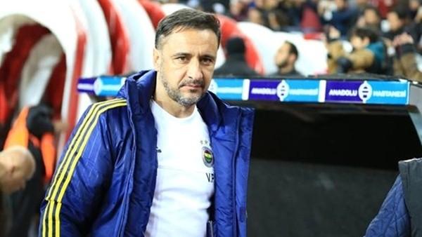 Beşiktaş taraftarı Pereira'ya Şampiyon Beşiktaş diye seslendi