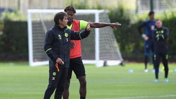 Antonio Conte, Chelsea ile ilk idmanına çıktı