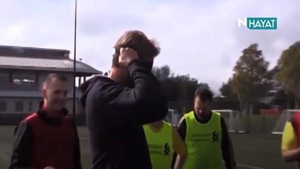 Jurgen Klopp'tan gözleri kapalı penaltı!
