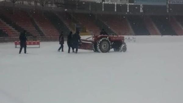 Kamil Ocak Stadı'nda çalışmalar devam ediyor